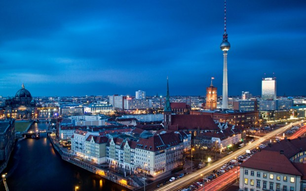 1001-travel-destinations-berlin-fernsehturm-berlin-wallpaper