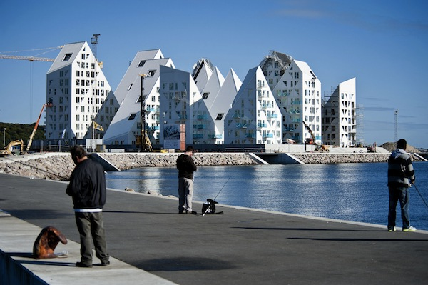 Spectacular Building That Looks Like A Giant Iceberg