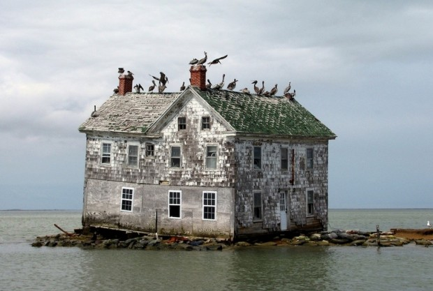top-33-most-beautiful-abandoned-places-in-the-world-7