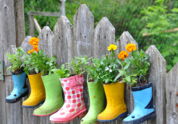 10 DIY Garden Ideas -