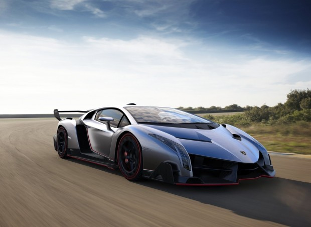 Lamborghini Veneno   Fatal Attraction