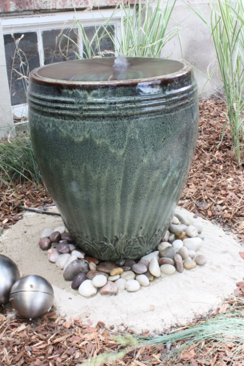 DIY 10 Outdoor Fountains