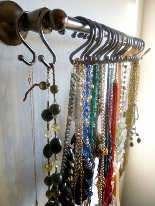 10 DIY Necklace Holders