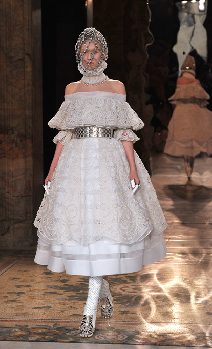 Alexander Mcqueen Autumn Winter 2013 14 Style Motivation