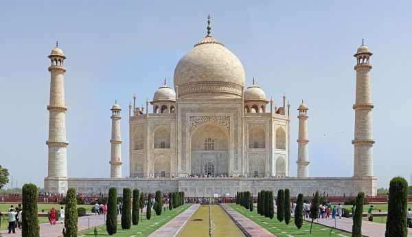 10 Famous Buildings That You Must See