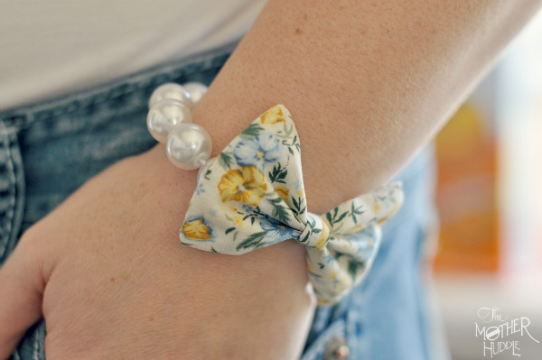 bow-and-pearl-bracelet-diy
