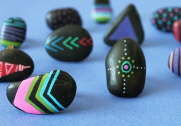 DIY Neon Painted Stone Rings -