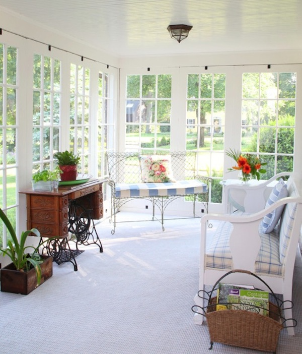 30 sunroom design ideas style motivation for Sun porch ideas