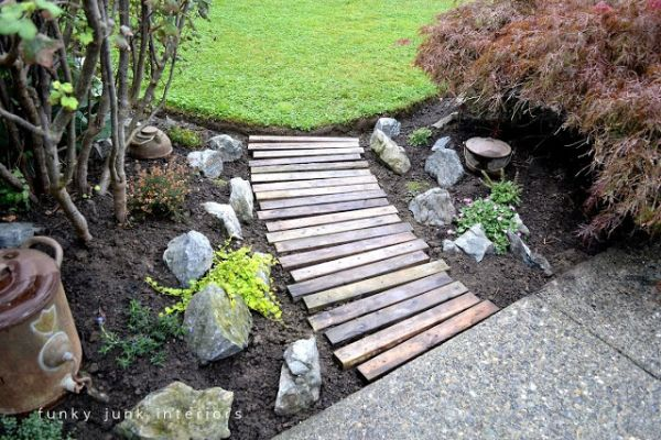 9 DIY Ideas to Improve Your Backyard