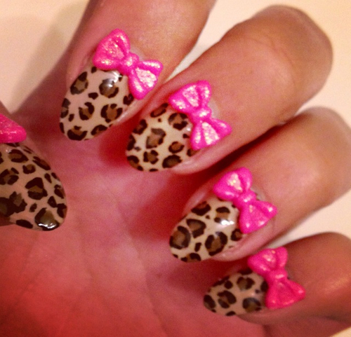 Nails-with-bows-1