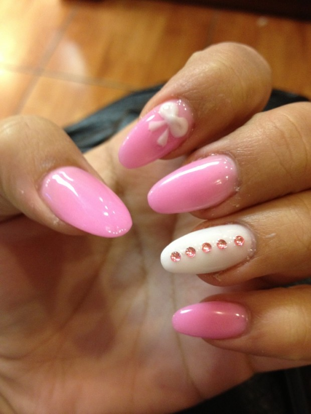Nails-with-bows-111