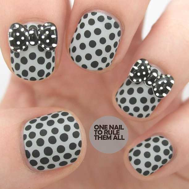 Nails-with-bows-2