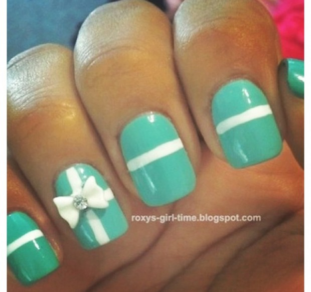 Nails-with-bows-4