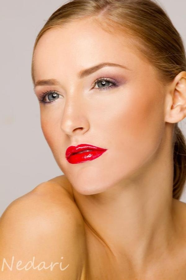 25 glamorous makeup ideas with red lipstick (11)