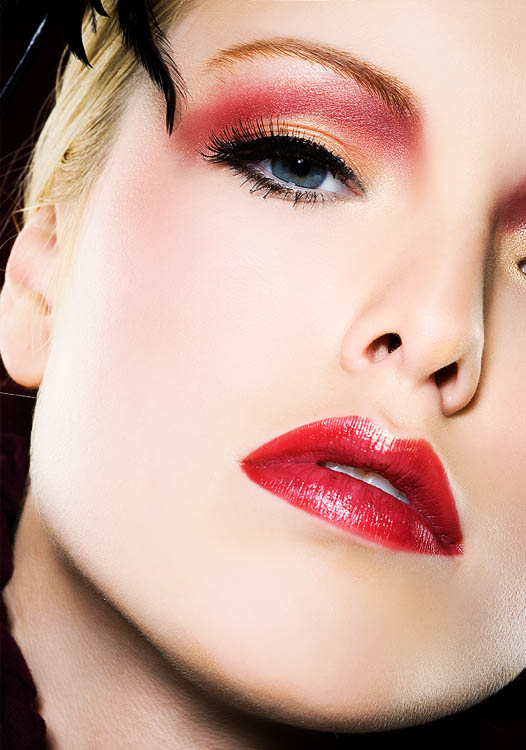 25 Glamorous Makeup Ideas with Red Lipstick