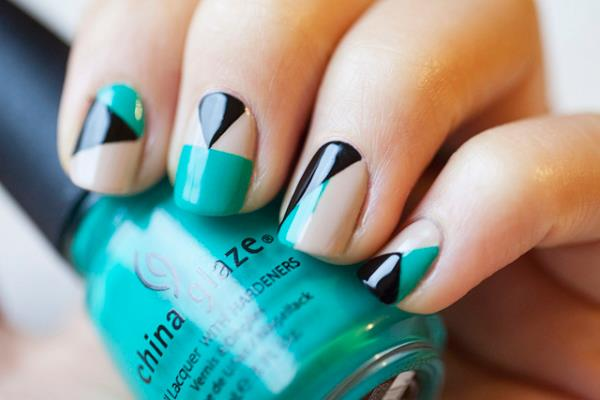 How to do nail polish designs with tape best nails 2018 32 amazing diy nail art ideas using scotch tape style motivation prinsesfo Choice Image