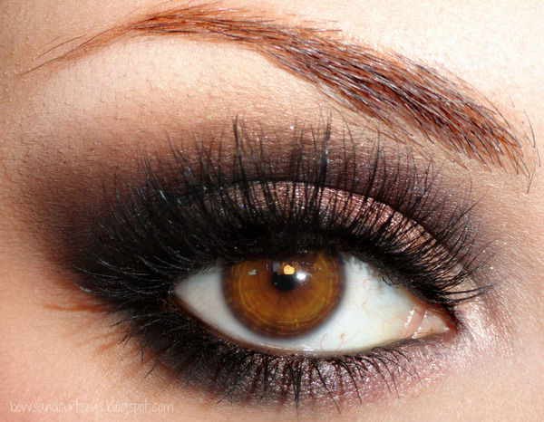 20 Gorgeous Makeup Ideas for Brown Eyes - Style Motivation
