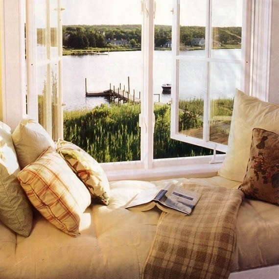 28 perfect relaxing spaces by the window