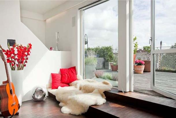 29 perfect relaxing spaces by the window (21)