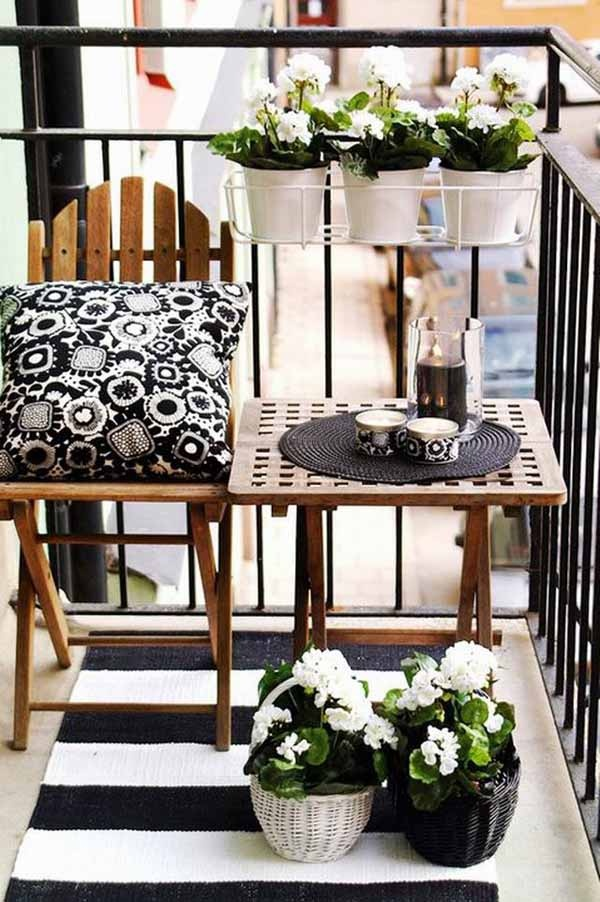 23 amazing decorating ideas for small balcony style for Tiny balcony ideas