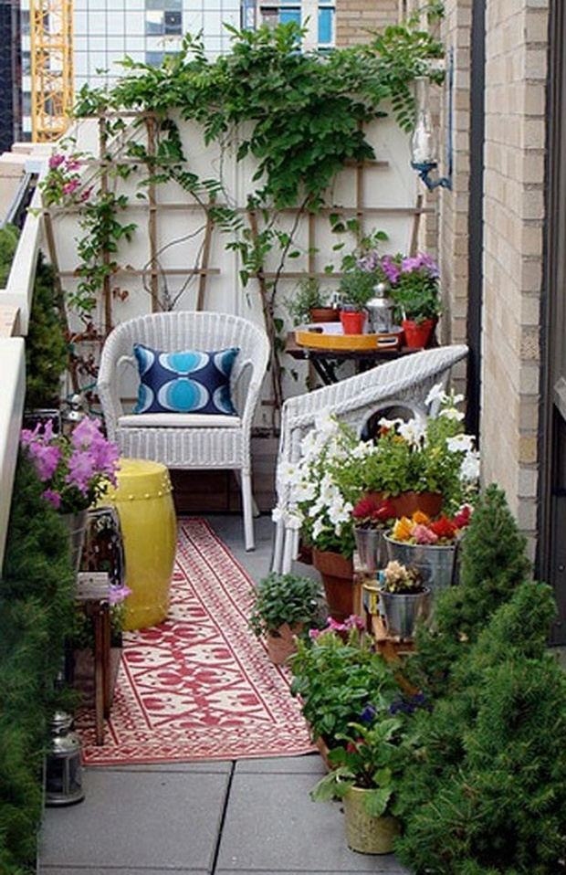 23 amazing decorating ideas for small balcony style for Apartment patio garden design ideas