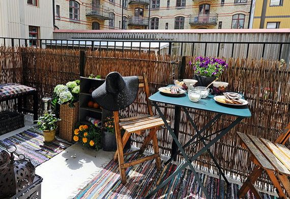 23 amazing decorating ideas for small balcony style for Decorate your balcony