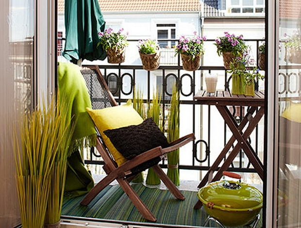 Small Balcony Designs and Beautiful Ideas for Decorating Outdoor Seating Areas