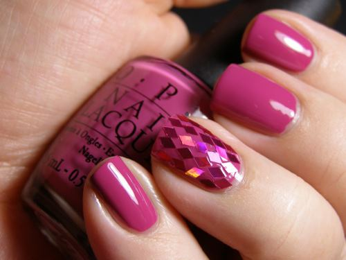 Nail art with rhinestones, gems, pearls and studs  (10)