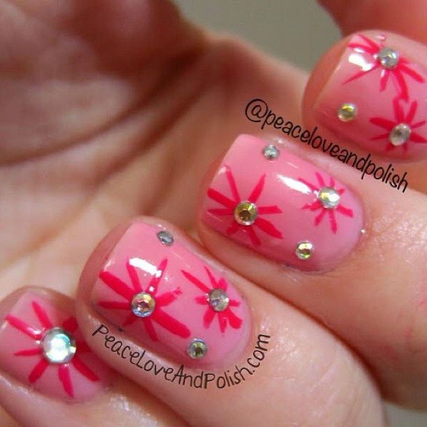 Nail art with rhinestones, gems, pearls and studs  (15)