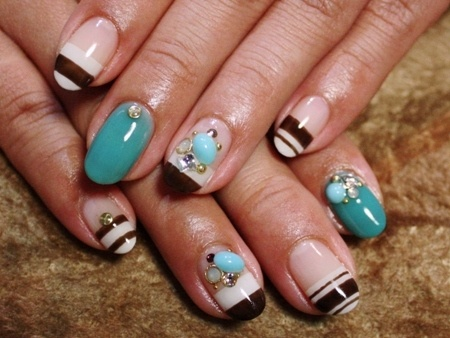 Nail art with rhinestones, gems, pearls and studs  (17)