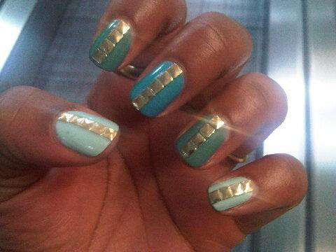Nail art with rhinestones, gems, pearls and studs  (7)