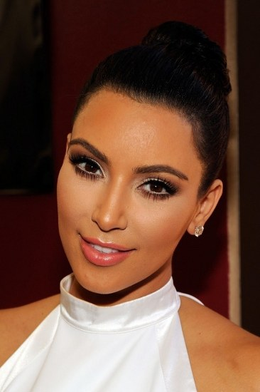 Top 20 Kim Kardashian Makeup Looks (1)