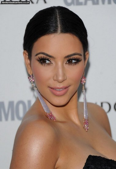 Top 20 Kim Kardashian Makeup Looks (12)