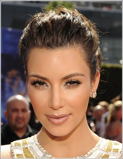 Top 20 Kim Kardashian Makeup Looks (13)