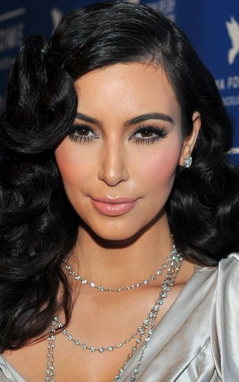 Top 20 Kim Kardashian Makeup Looks (14)