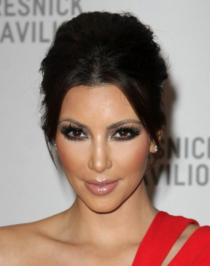 Top 20 Kim Kardashian Makeup Looks (16)