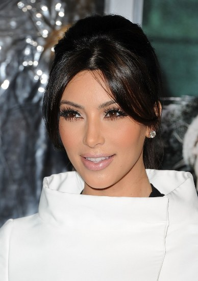 Top 20 Kim Kardashian Makeup Looks (17)