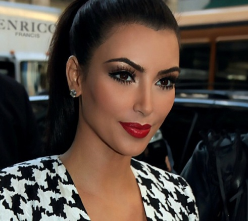 Top 20 Kim Kardashian Makeup Looks (5)