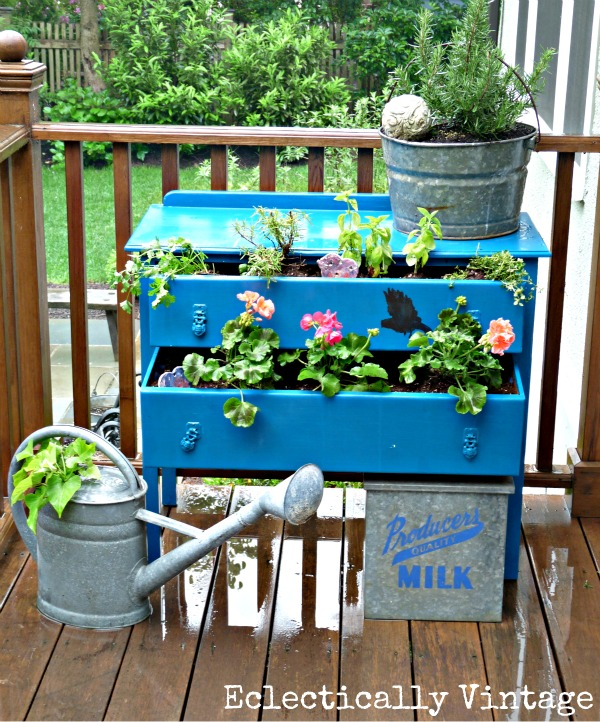20 Amazing DIY Accessories for Your Garden