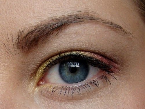 20 Gorgeous Makeup Ideas for Blue Eyes (10)