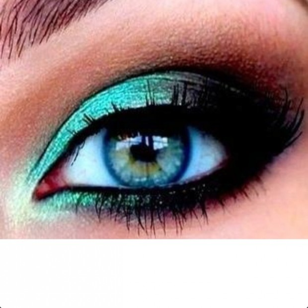 20 Gorgeous Makeup Ideas for Blue Eyes (4)