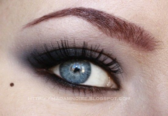 20 Gorgeous Makeup Ideas for Blue Eyes (6)