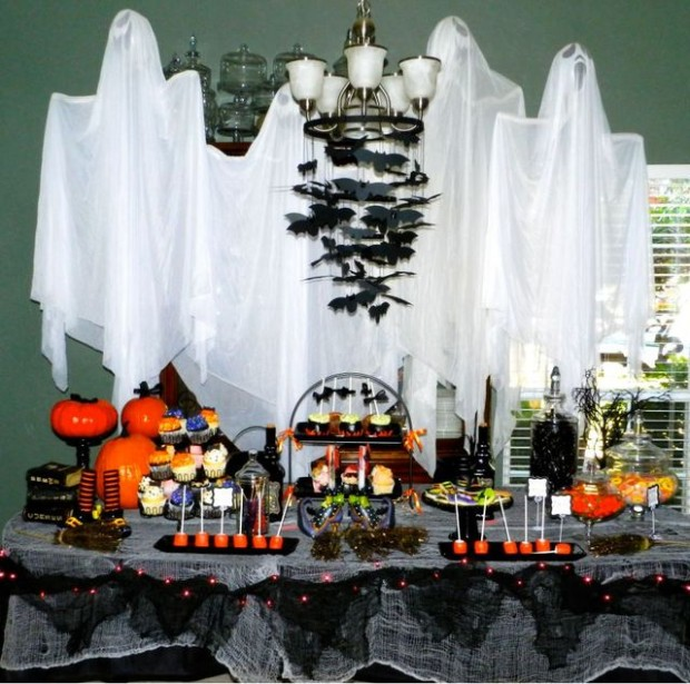 20 great halloween table decoration ideas style motivation for Halloween table centerpiece ideas