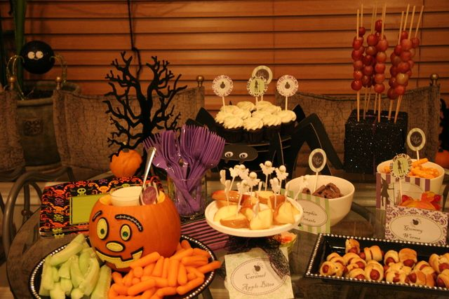 20 great halloween table decoration ideas style motivation. Black Bedroom Furniture Sets. Home Design Ideas