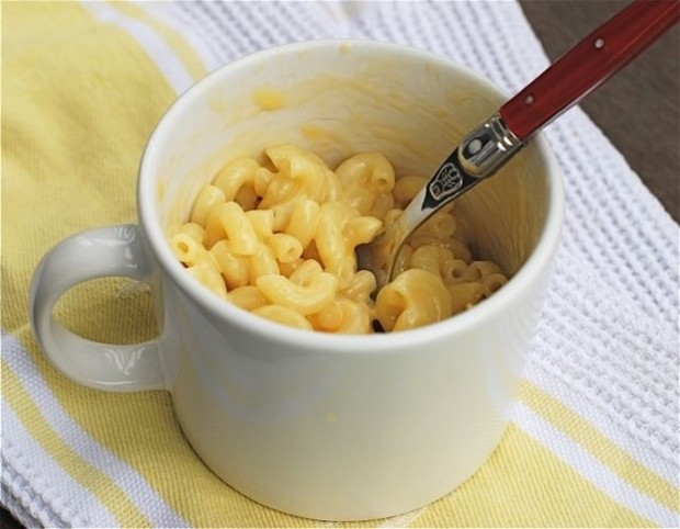 22 Quick and Tasty Snacks You Can Cook In A Mug
