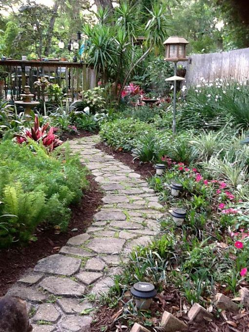 23 amazing garden pathways style motivation for Paving designs for small garden path