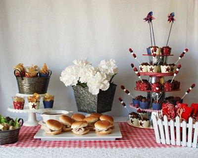 23 Amazing Labor Day Party Decoration Ideas (2)