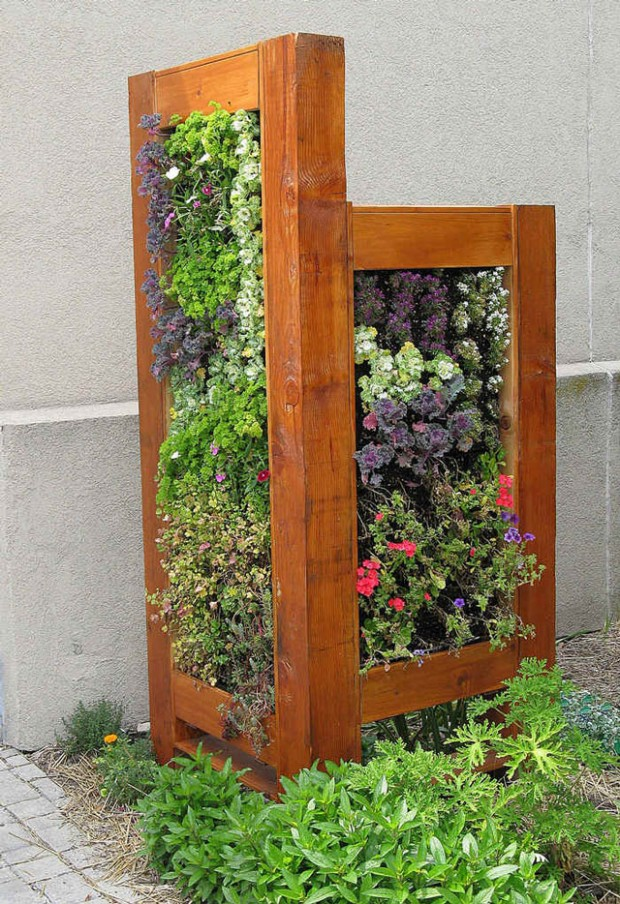 22 Amazing Vertical Garden Ideas For Your Small Yard