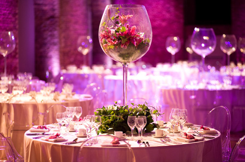http://www.stylemotivation.com/wp-content/uploads/2013/08/25-Amazing-Wedding-Decor-Ideas-3.jpg