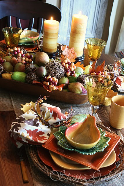 26 Great Fall Table Decorating Ideas (4)